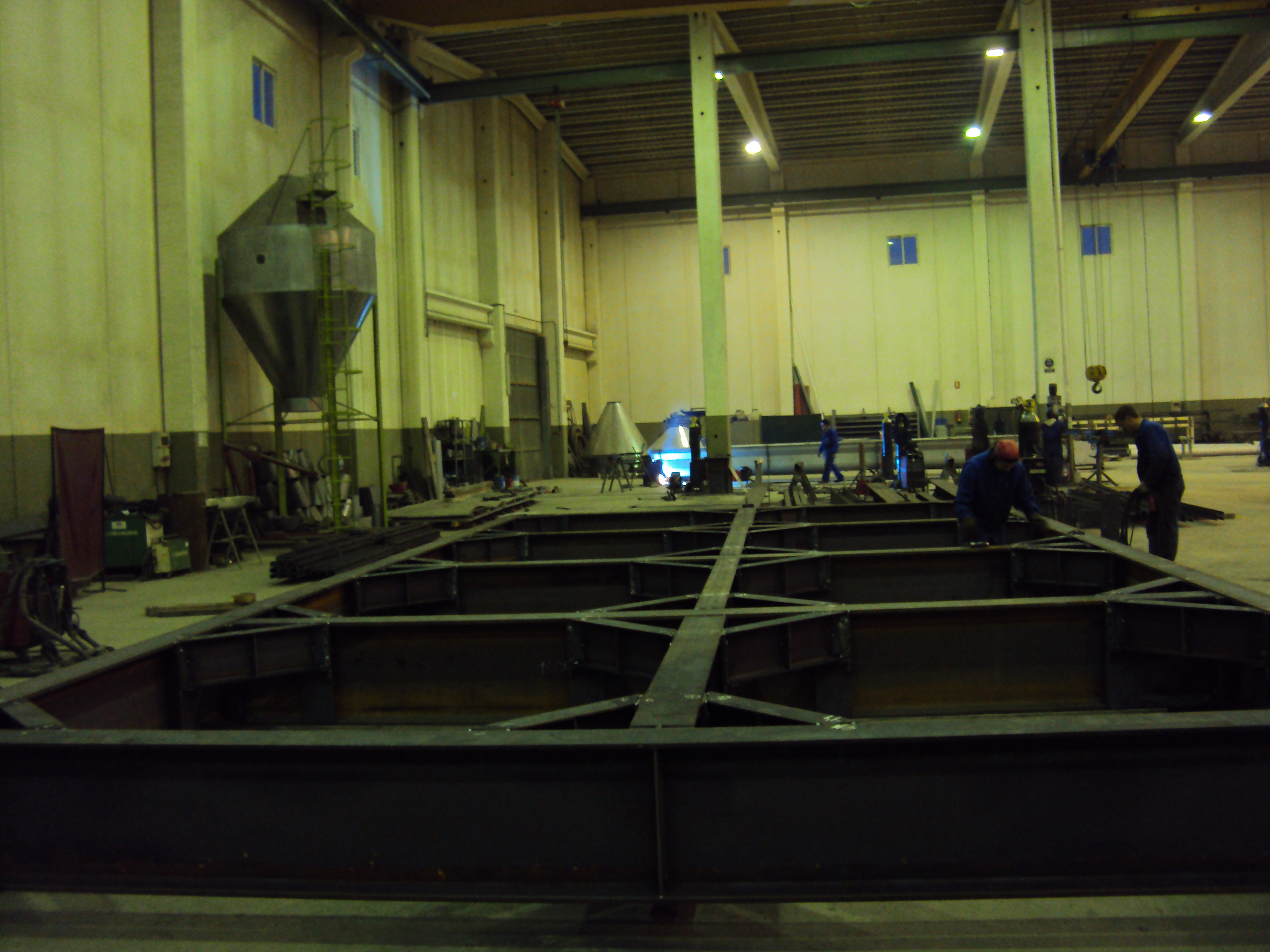 Pre-assembly of structure in workshops