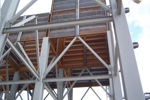 Apoyo de paneles en estructura