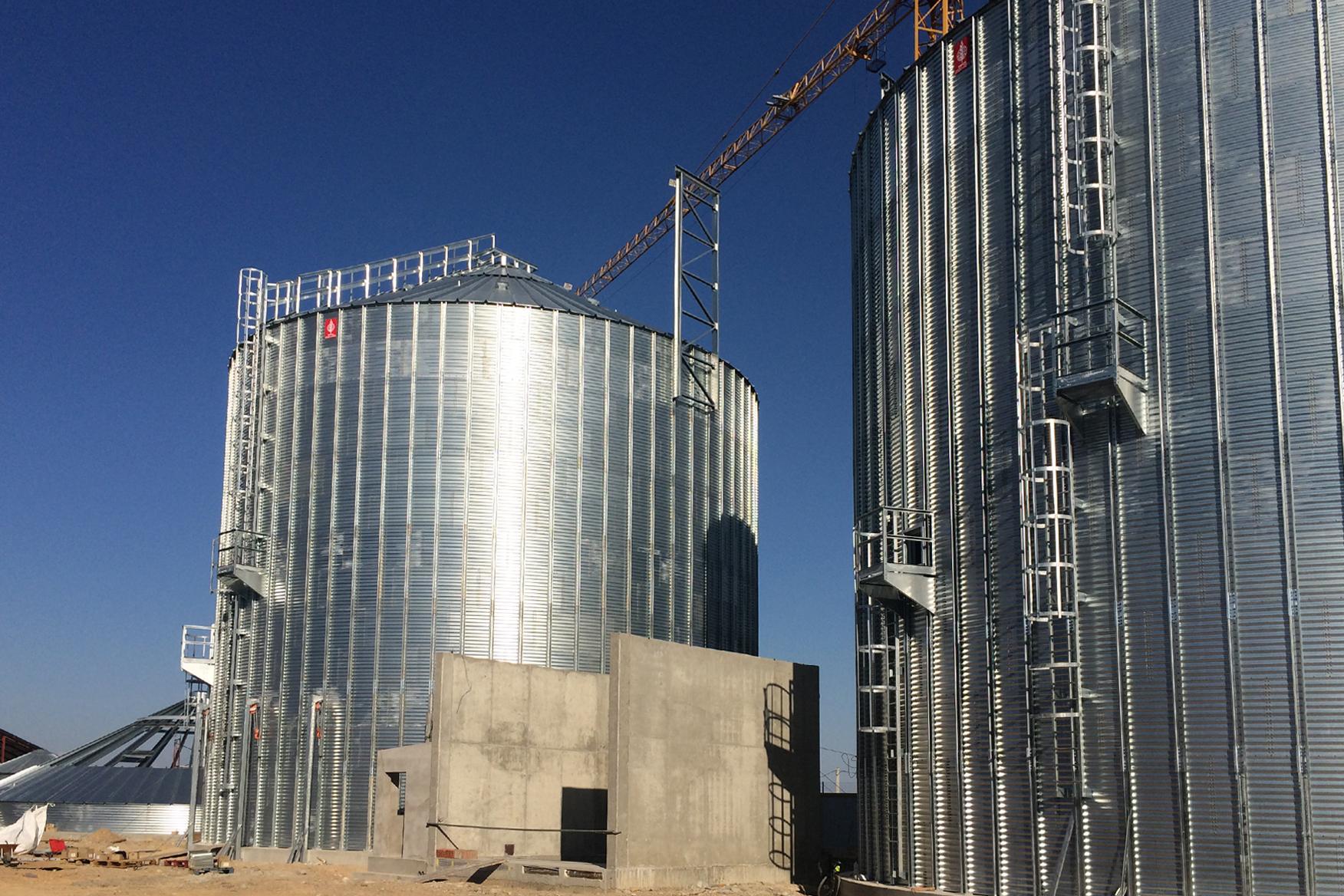 2015. Silos almacenamiento cereal Lleida
